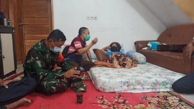 Photo of Luput dari Pendataan, F-PKS Sambangi Istri Pendeta Derwato Ramos yang Jadi Korban Longsor Cimanggung
