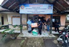Photo of Ely Walimah Salurkan Bantuan Untuk Korban Longsor Tanjungmedar